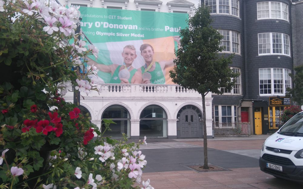 gary and paul o donovan banner by stephens display solutions
